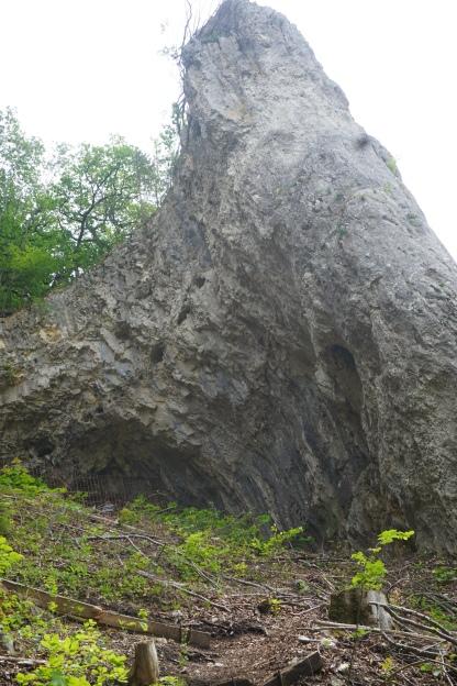 Der Hohle Fels von Außen