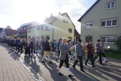 Der Trancmontana-Marsch bestimmte den Schritt der Kolonne